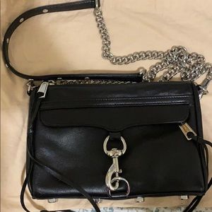 M.A.C. Crossbody in black